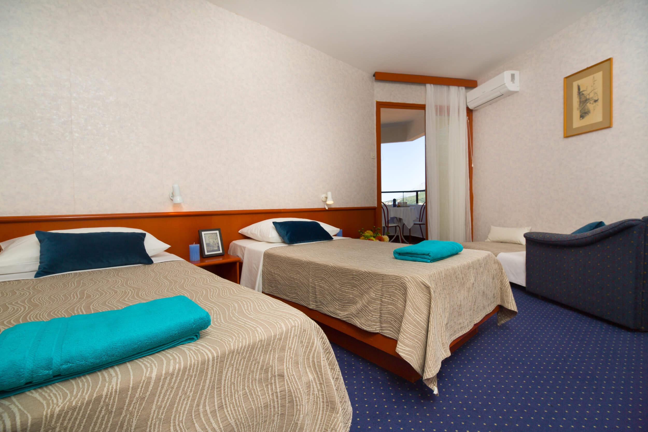 18_double room additional bed AC