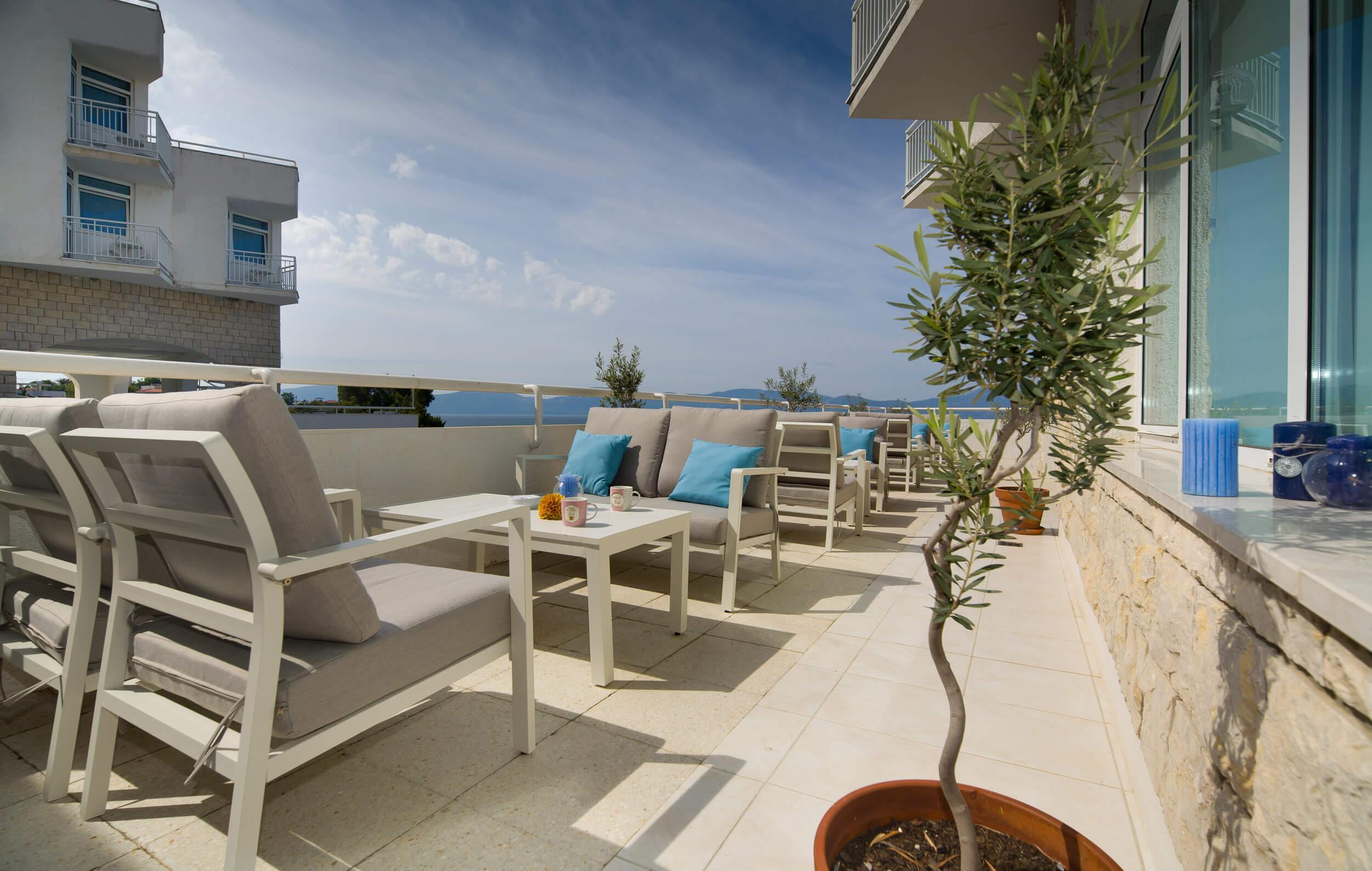 28_Piano bar terrace