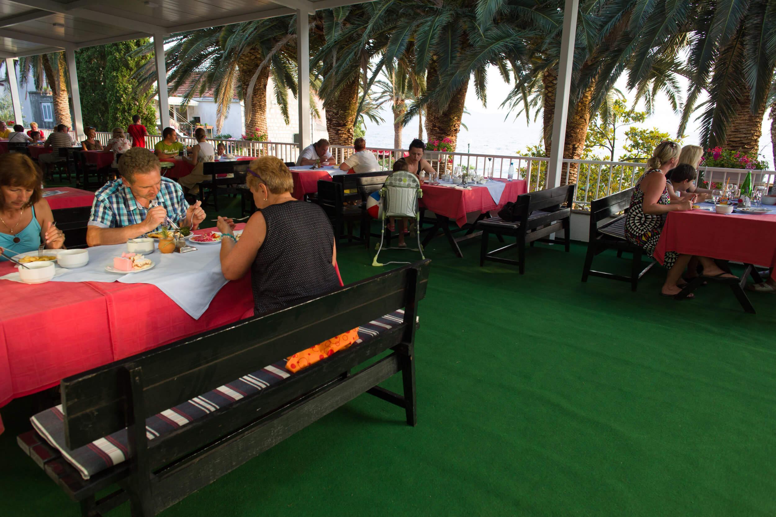 35. Restaurant Terrace