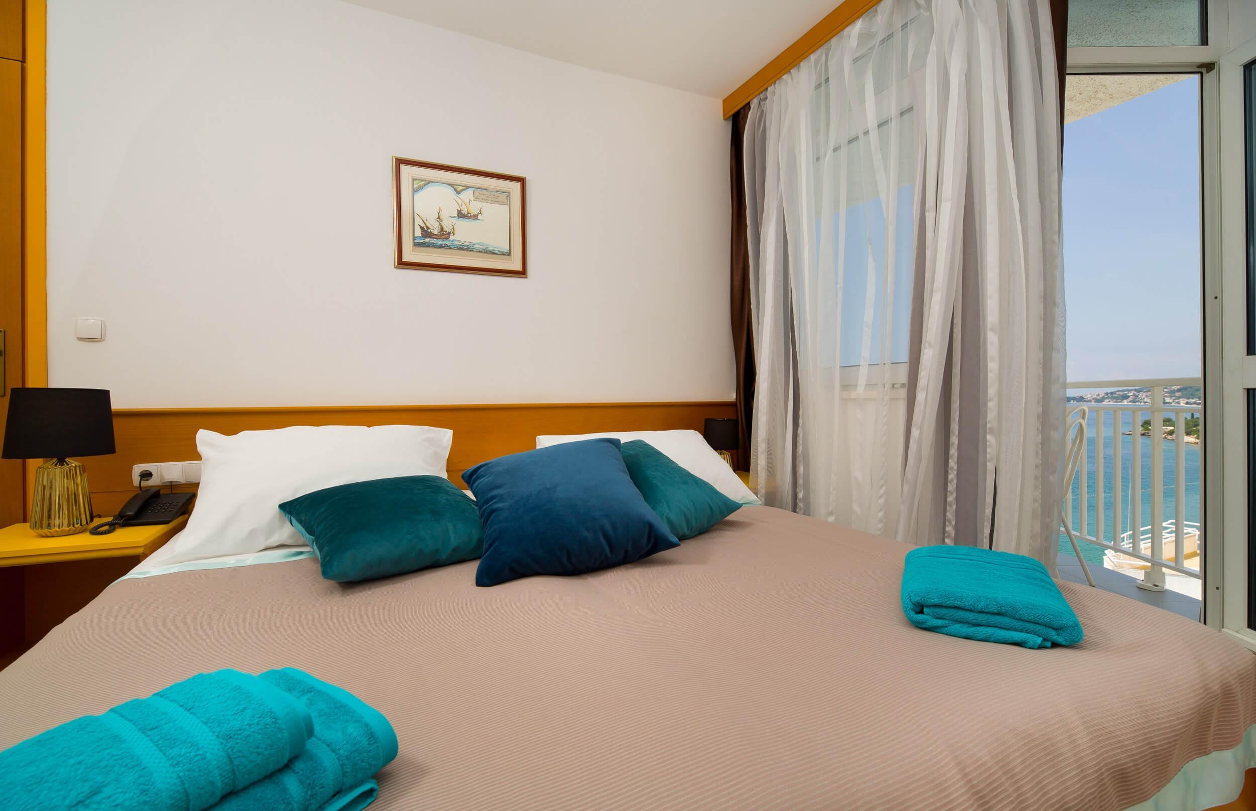 42_Comfort room