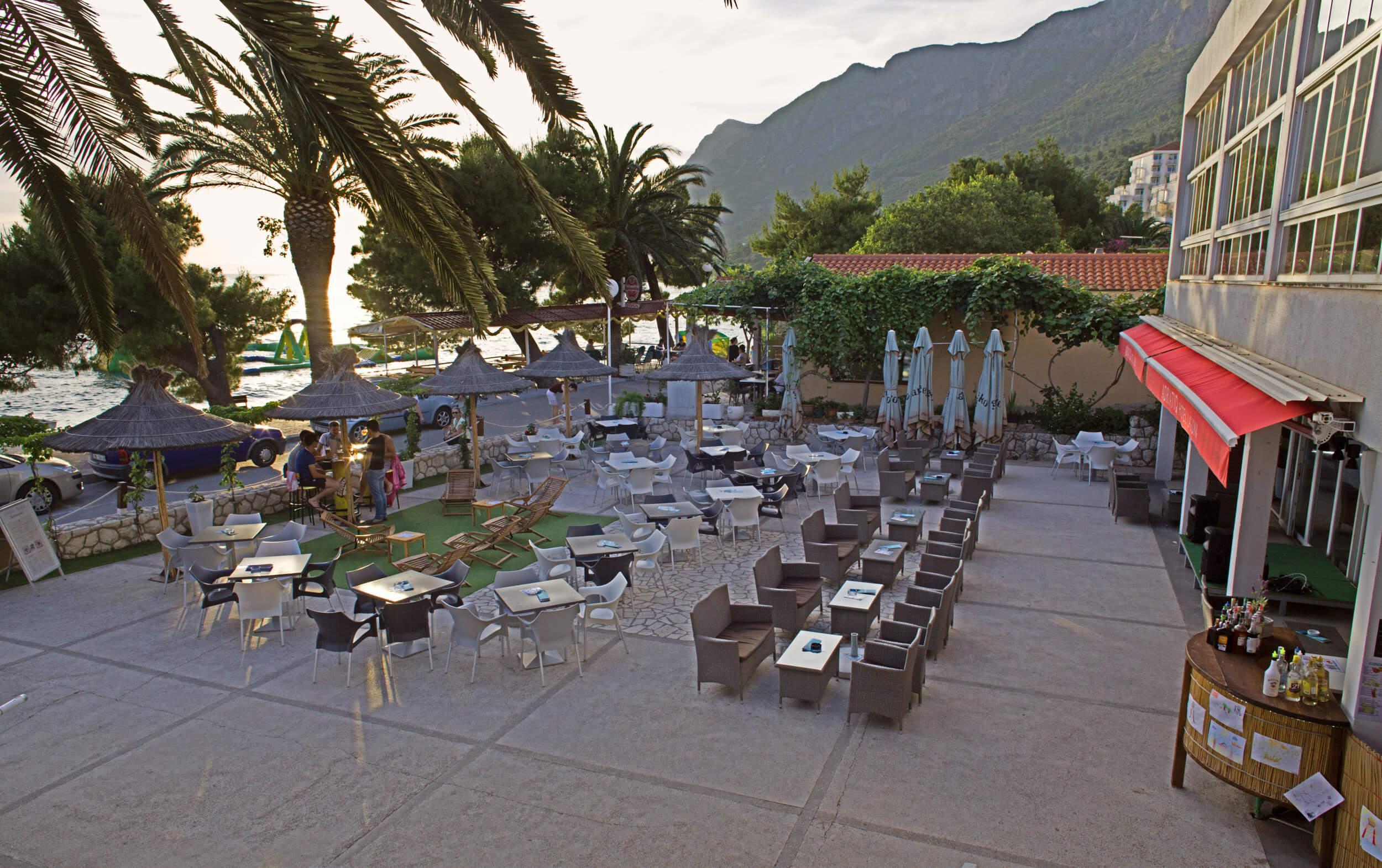 46_Terrace Laguna Bar