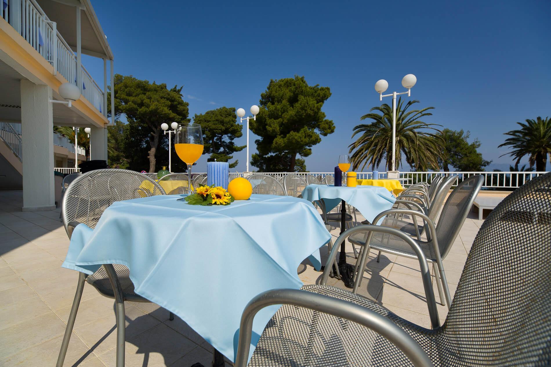 47_pool terrace