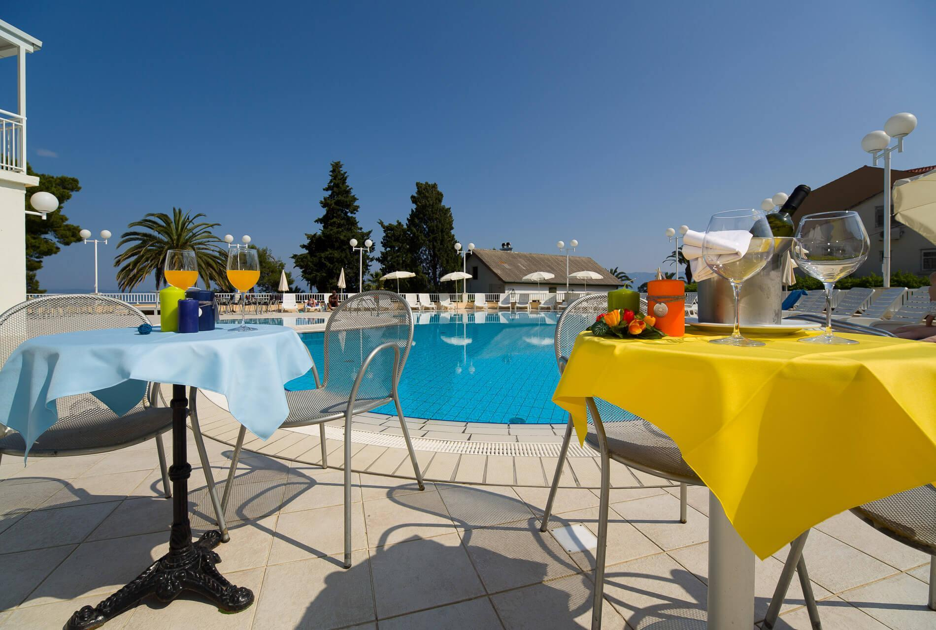 49_pool terrace