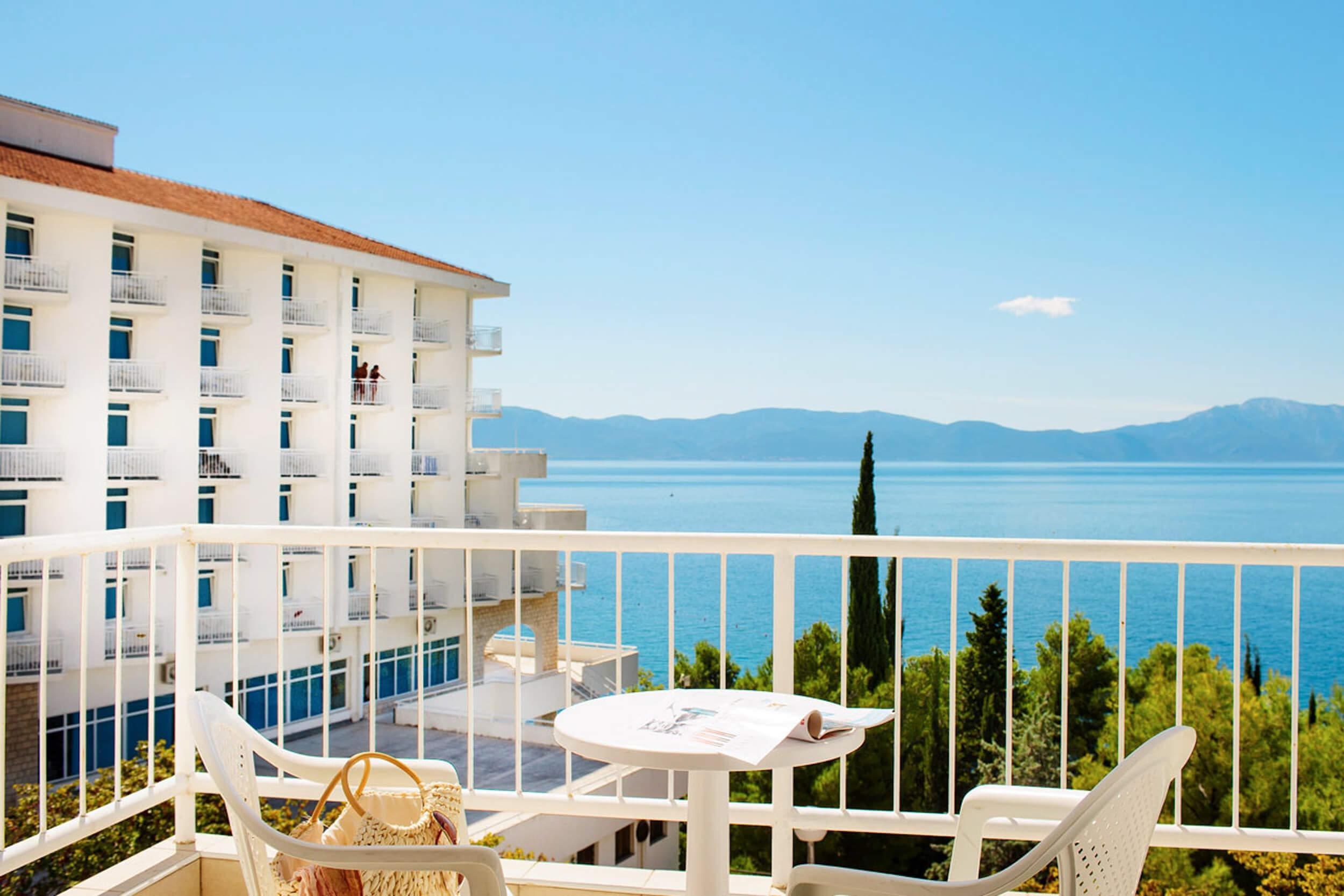 54_Premier balcony