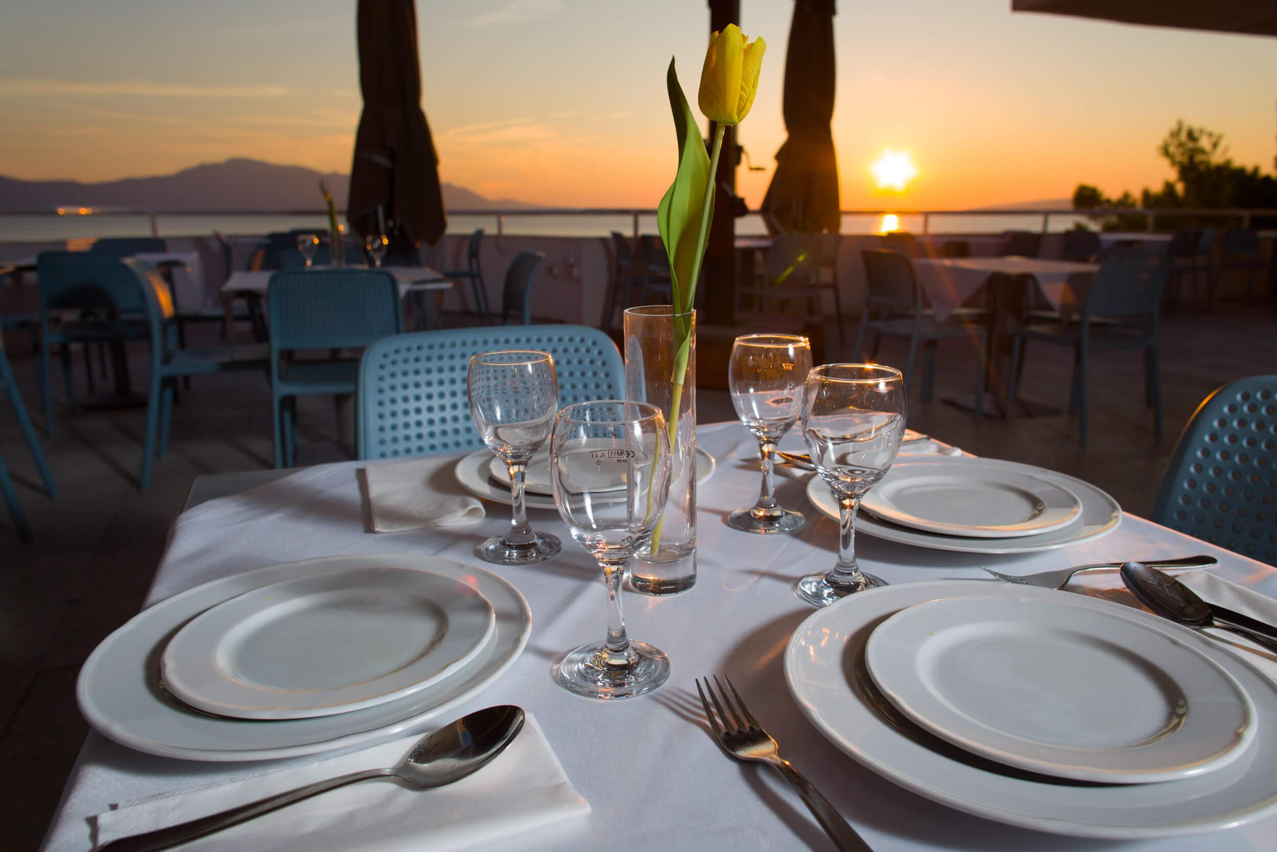 74_Restaurant terrace